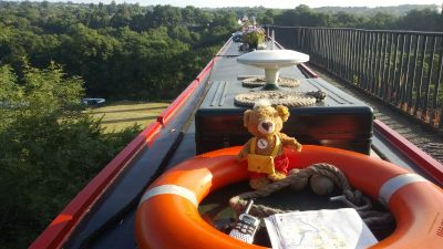 Gospel Belle crossing the Pontcysyllte Aqueduct on a previous visit